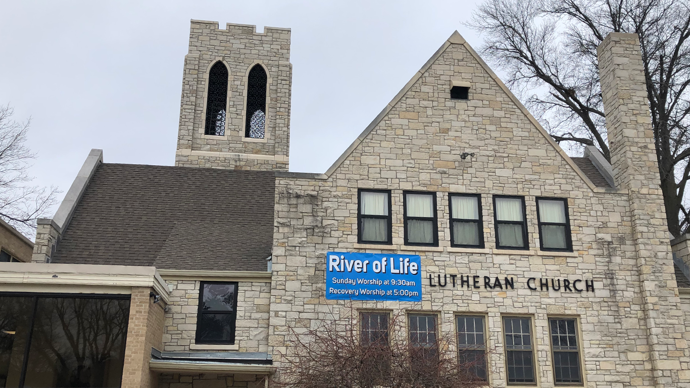 River of Life is an inviting and relevant ministry where Christ is present in living worship, faithful caring and reaching outward.